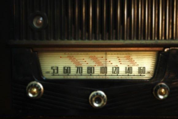 写真:ラジオ